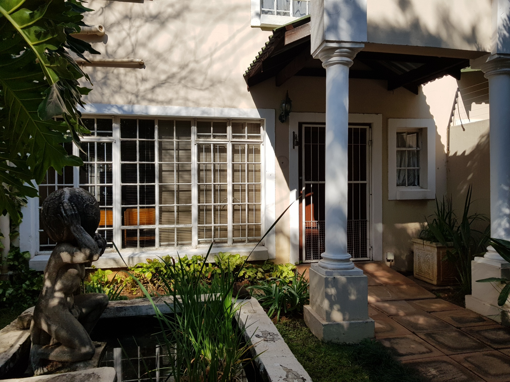 3 Bedroom Townhouse For Sale in Riviera