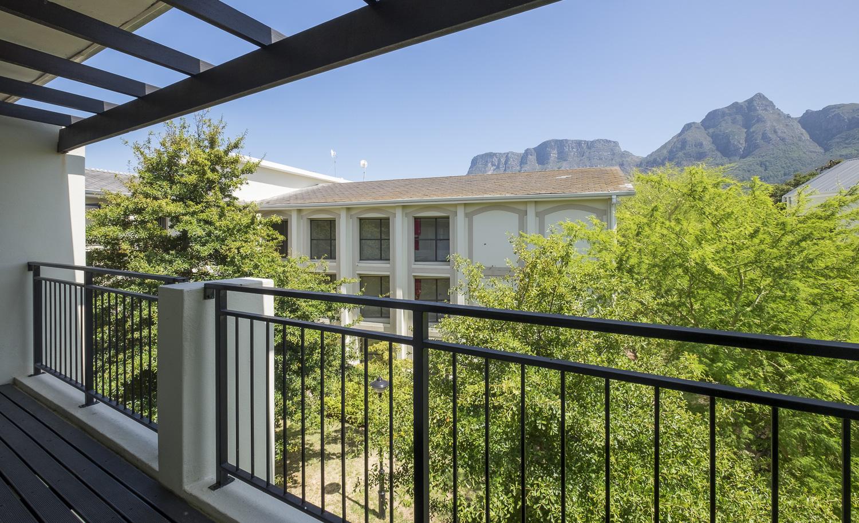 1 Bedroom Apartment For Sale in Rondebosch Oaks