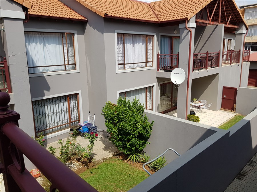 2 Bedroom Townhouse For Sale in Moregloed