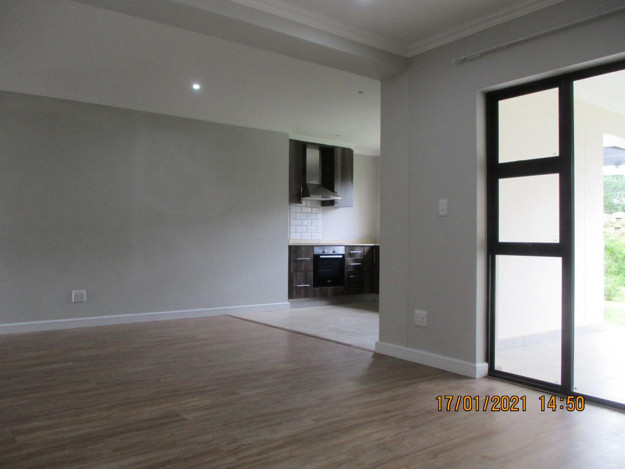 3 Bedroom Apartment For Sale in Hillcrest Central