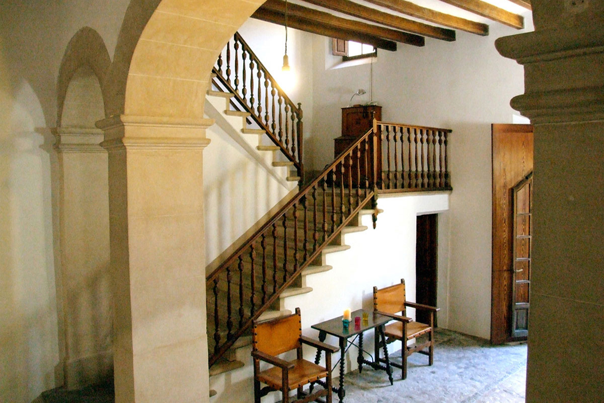 Images of An authentic and imposing Palace... real estate property
