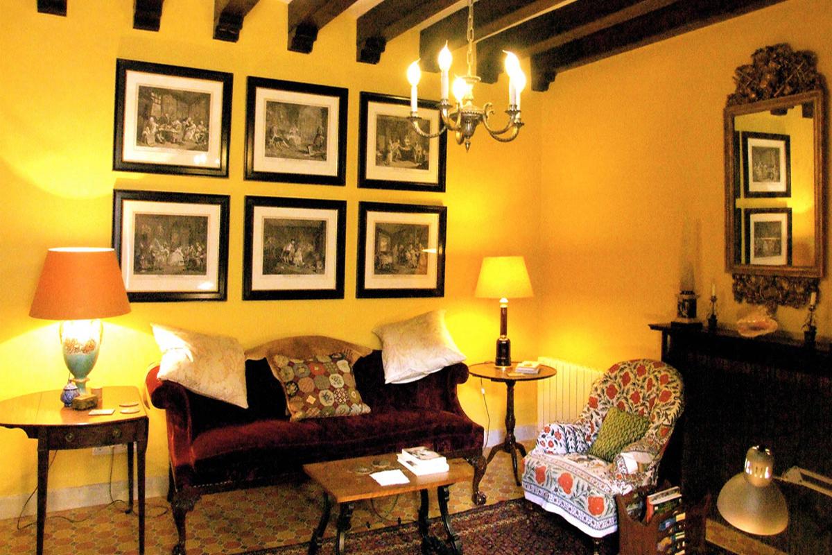 Images de la propriété immobilière de Une authentique et imposante demeure...