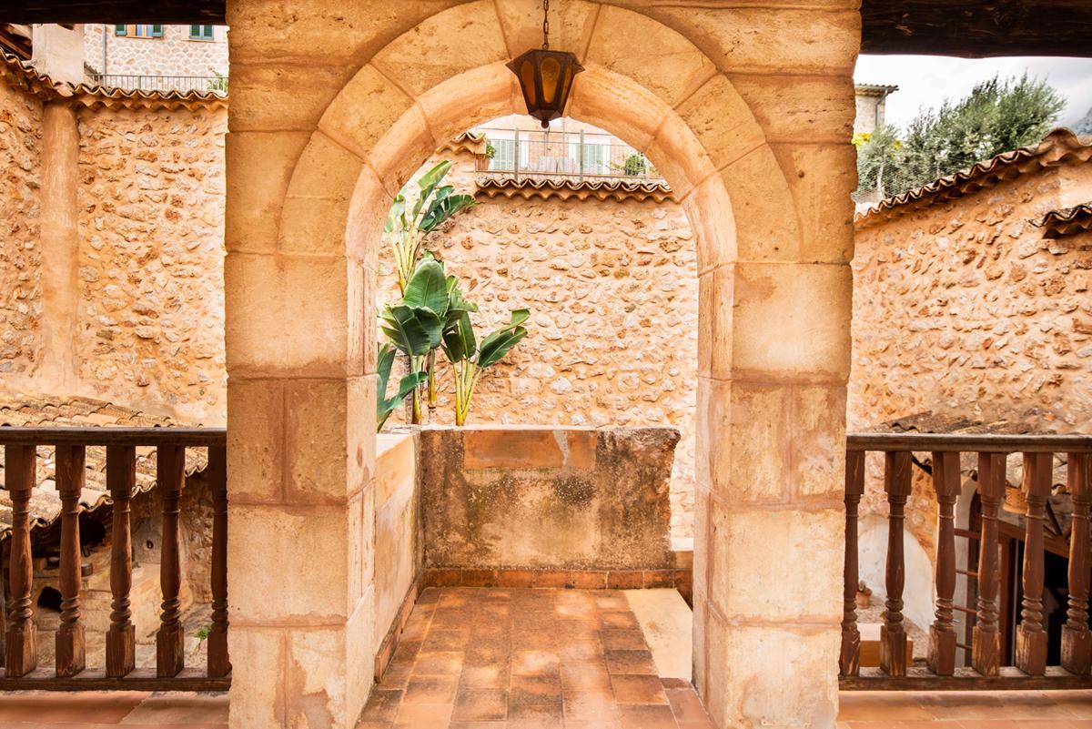 Imágenes de la propiedad inmobiliaria de Amplia propiedad con piscina...