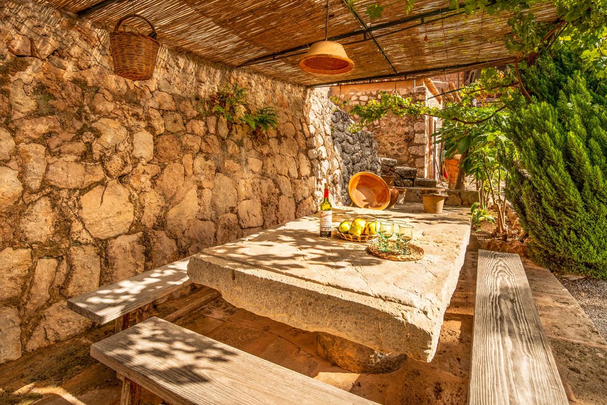 Images de la propriété immobilière de Grande propriété avec piscine...
