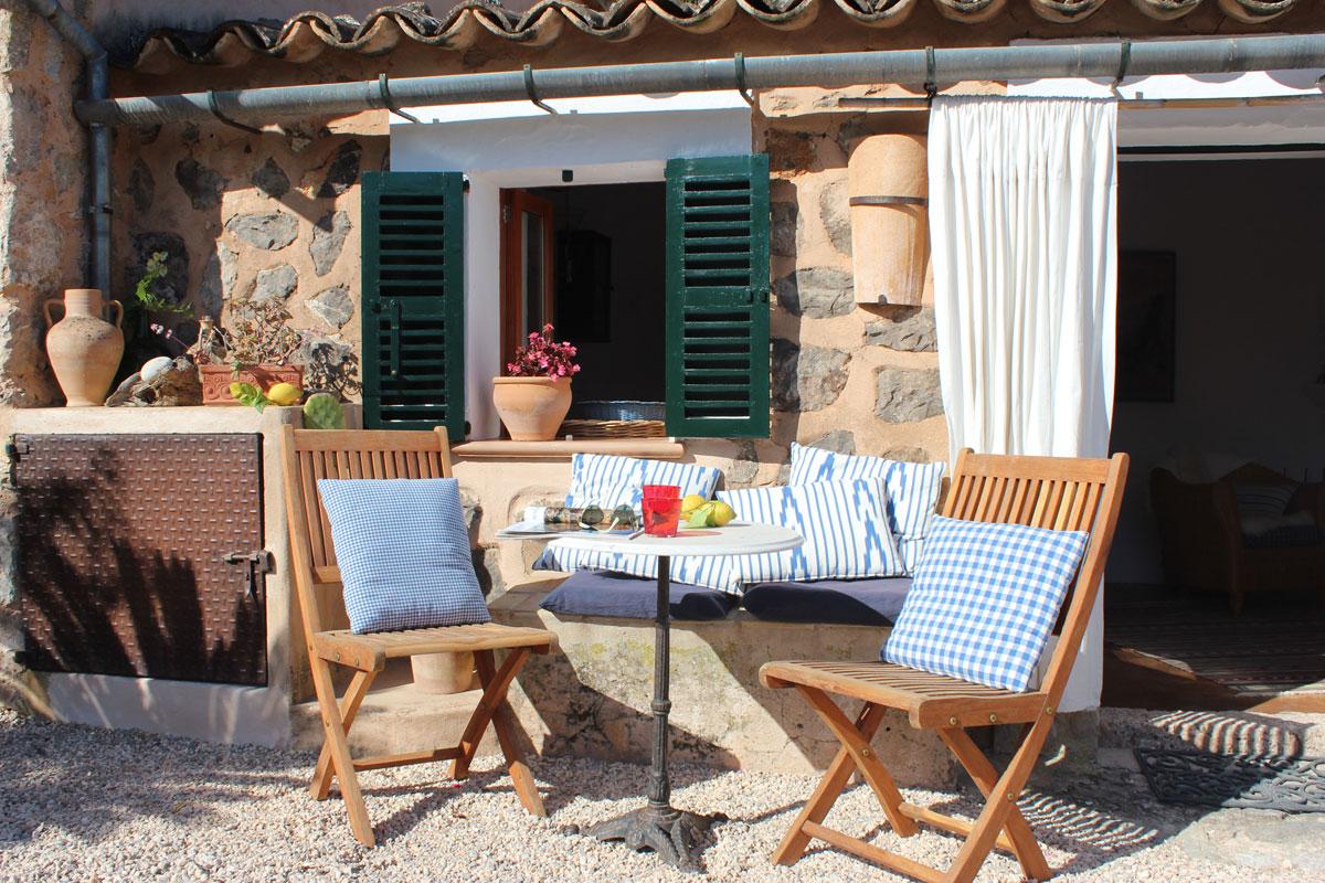 Images de la propriété immobilière de Adorable petite maison de vacances avec piscine d'eau salée...