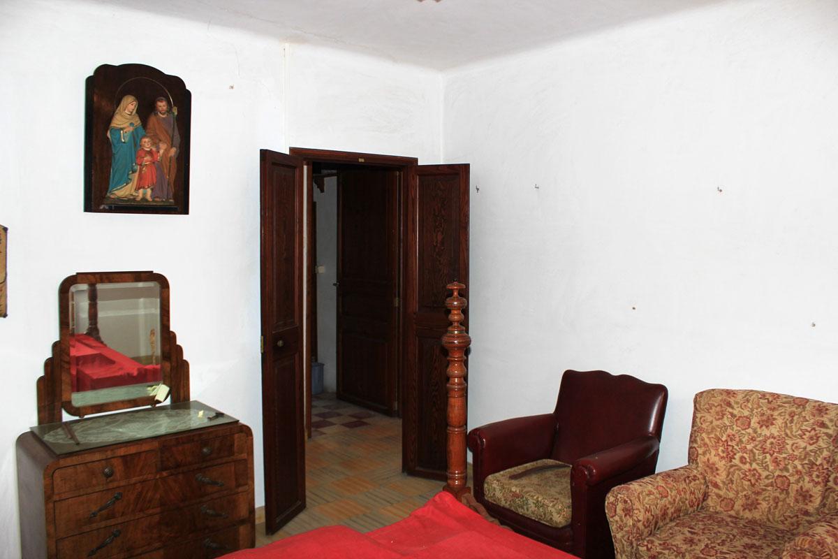 Imágenes de la propiedad inmobiliaria de Casa de pueblo con doble garaje...
