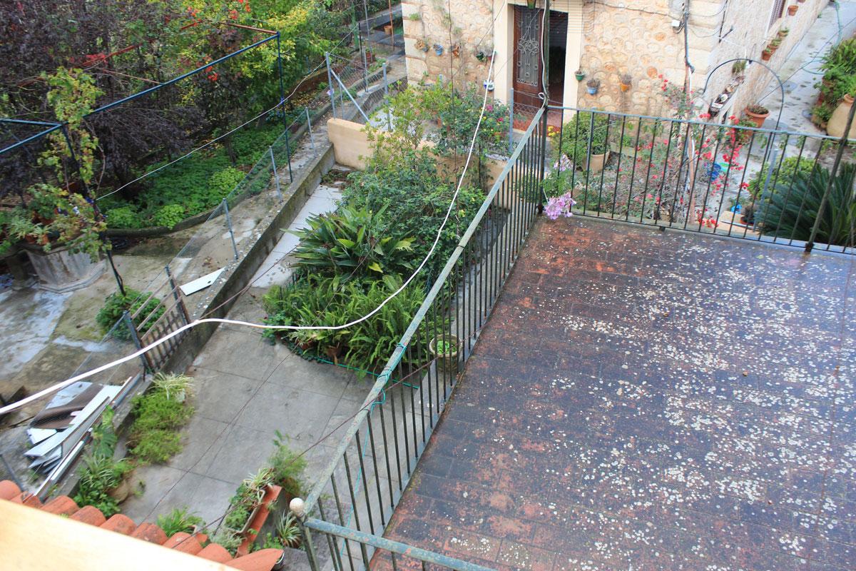 Images de la propriété immobilière de Maison de ville avec double garage...