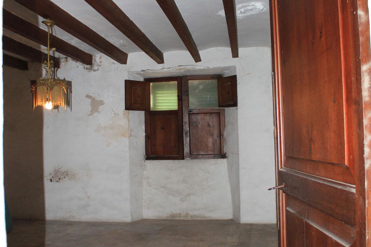 Imágenes de la propiedad inmobiliaria de Casa de pueblo con licencia comercial...
