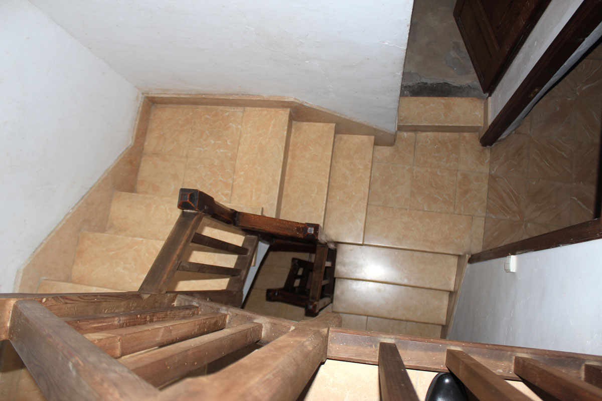 Images of Very old town house as a project... real estate property