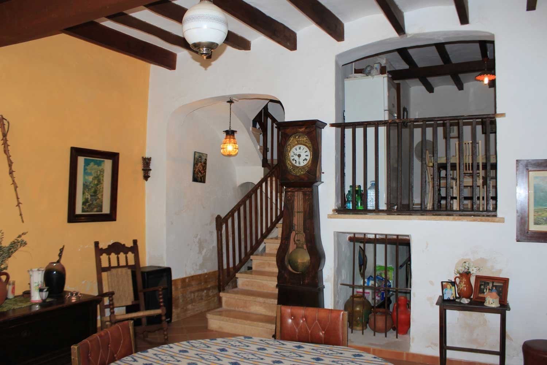 Images de la propriété immobilière de Très ancienne maison de ville comme projet....