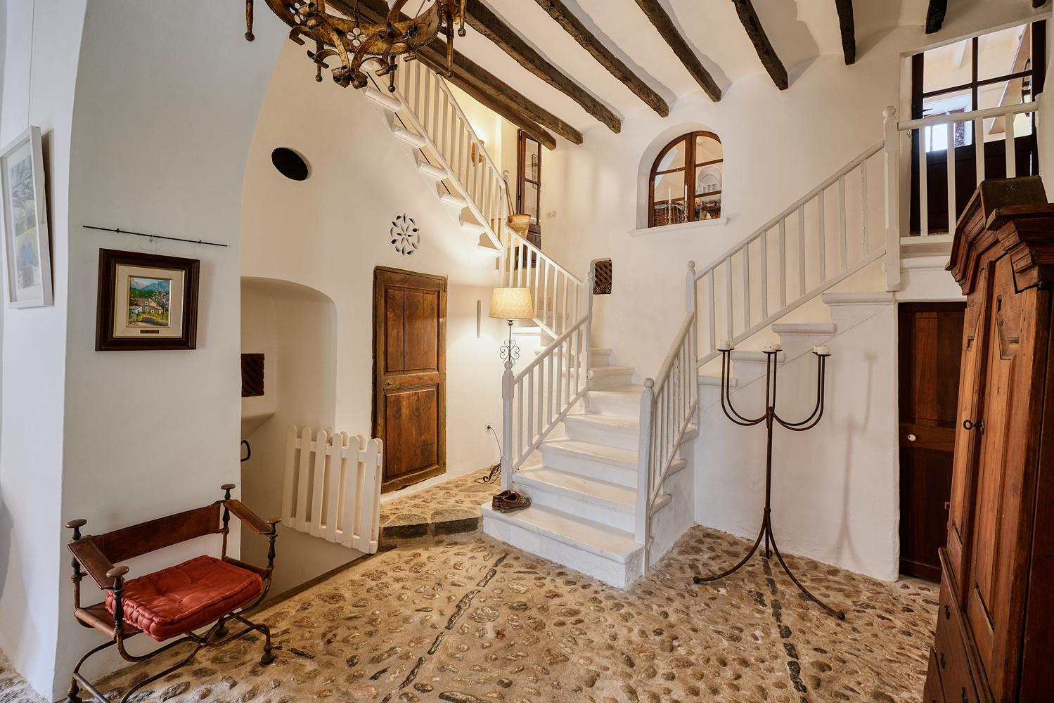 Images de la propriété immobilière de Unique et avec beaucoup d'histoire...