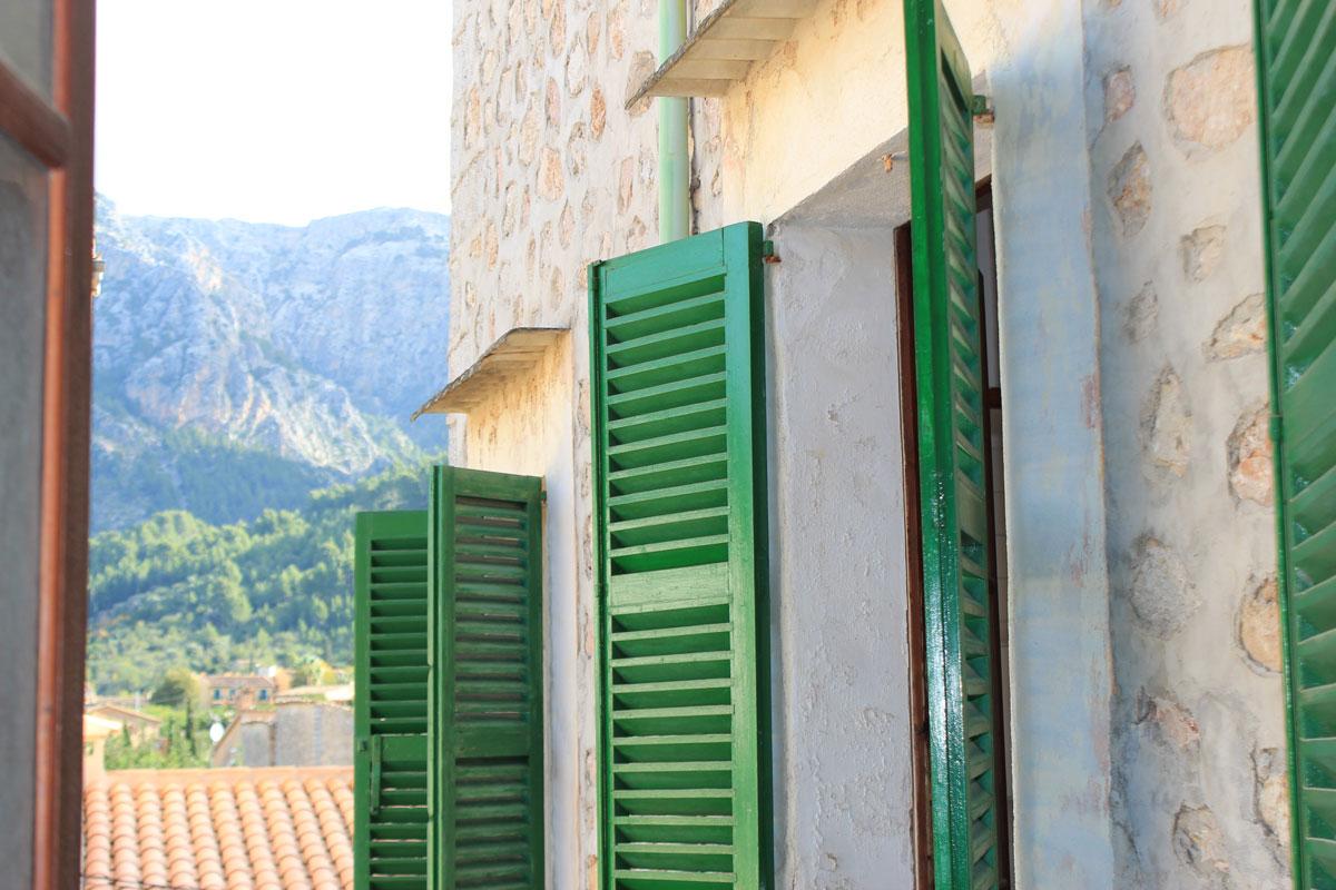 Imágenes de la propiedad inmobiliaria de Elegante casa de pueblo con mucho encanto...