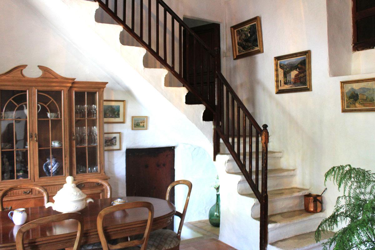 Imágenes de la propiedad inmobiliaria de Encantadora casa de piedra con gran jardín...