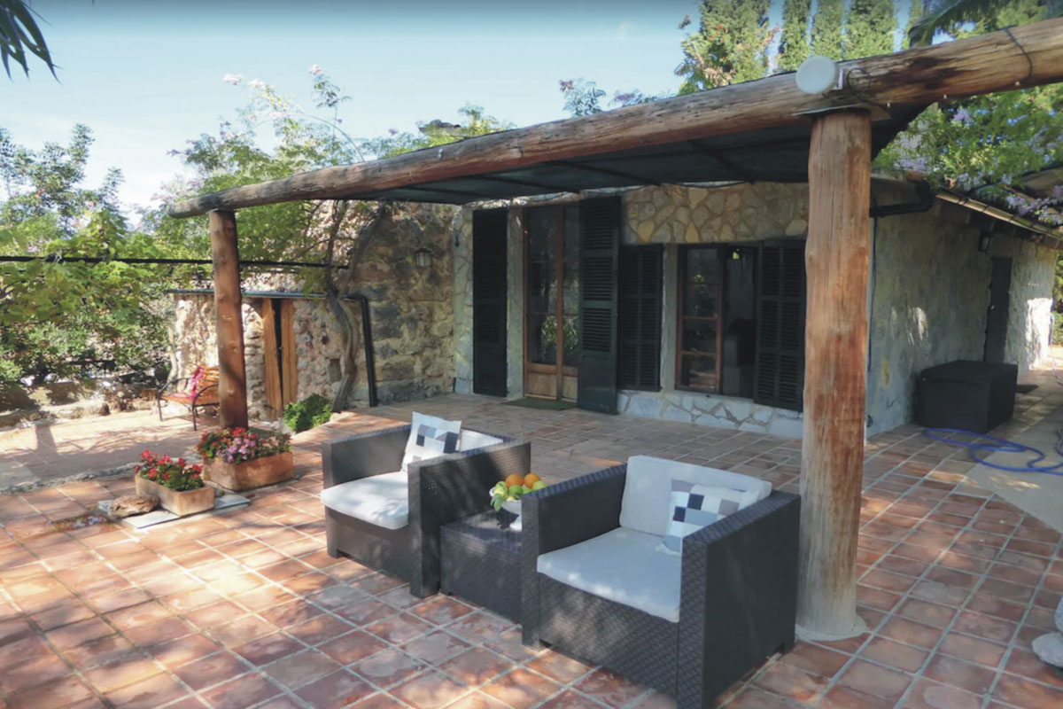 Images of Charming and surreal... real estate property