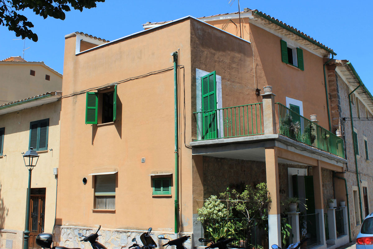 Imágenes de la propiedad inmobiliaria de Casa de pueblo en Sóller con potencial...