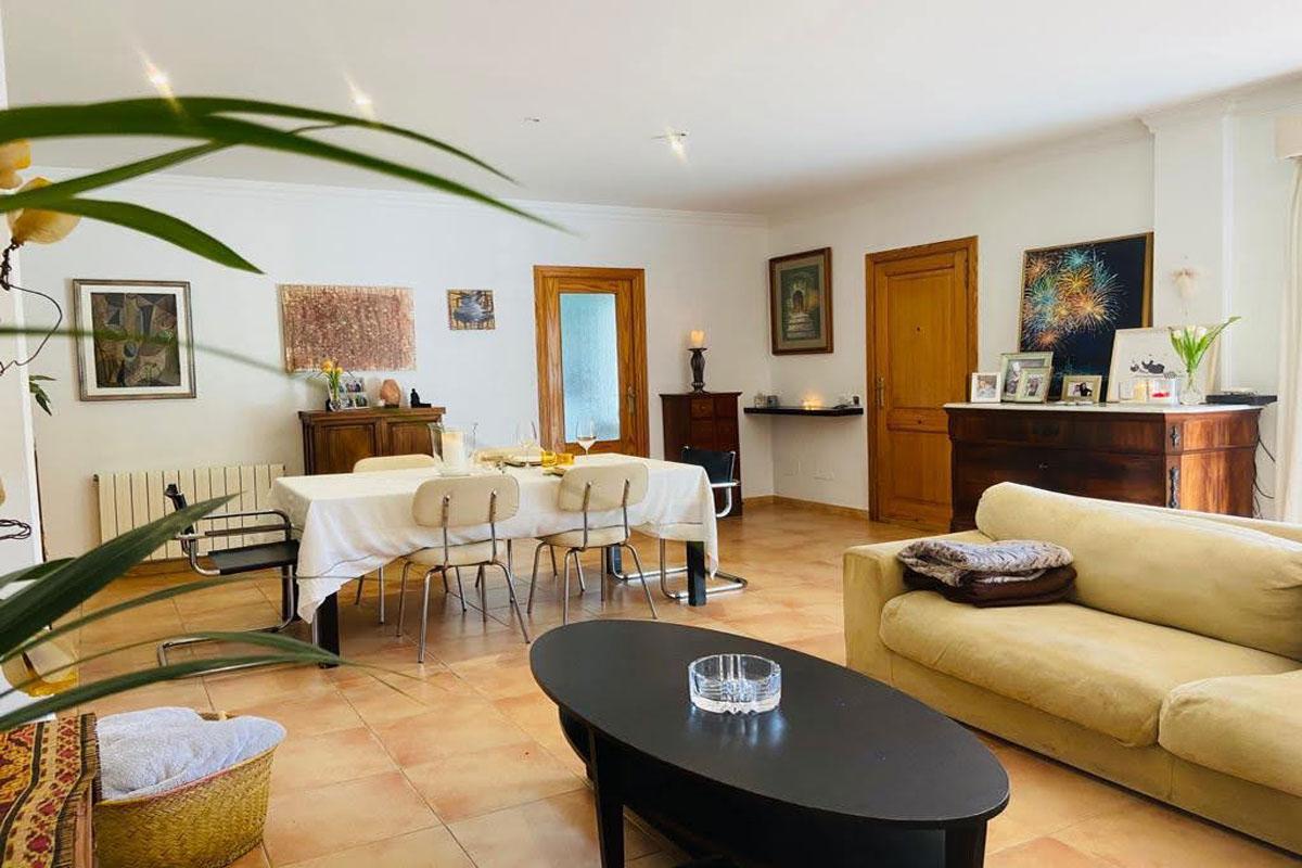 Bild von Geräumiges Erdgeschoss Wohnung mit großer Terrasse...