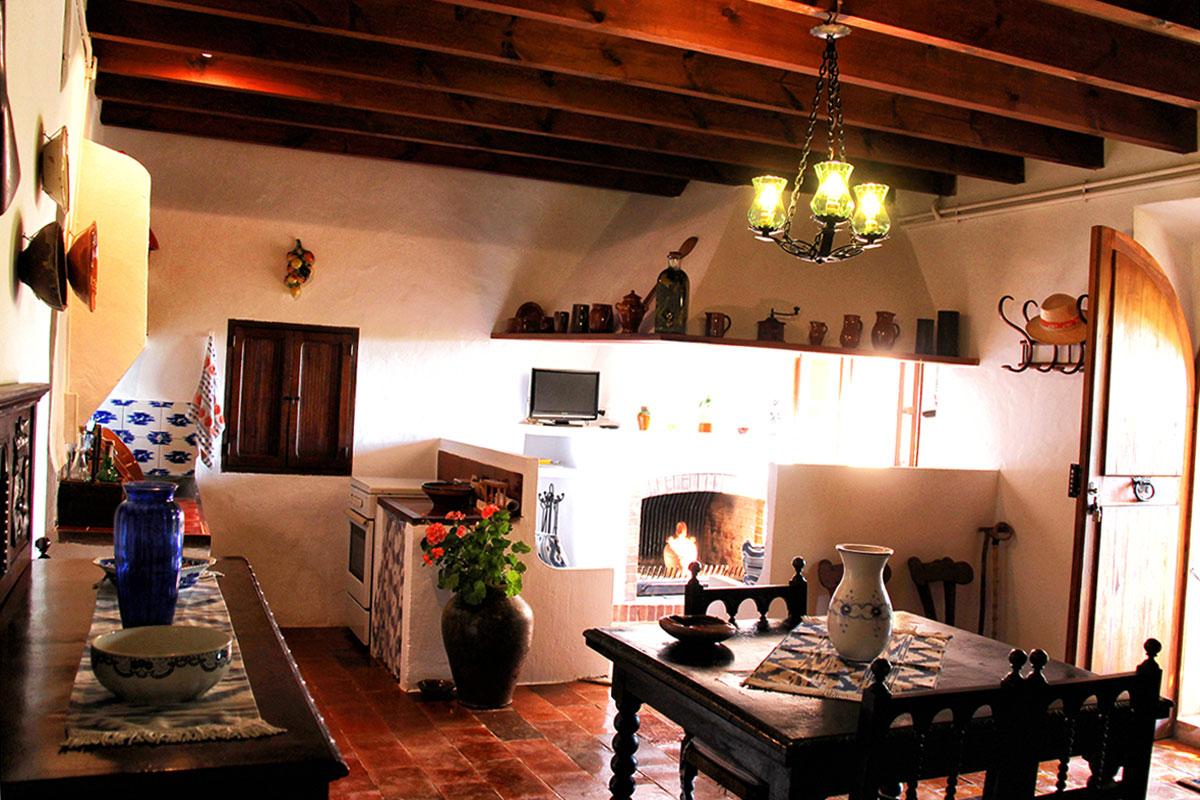 Imágenes de la propiedad inmobiliaria de Finca Mallorquina de 200 años de antigüedad totalmente reformada...