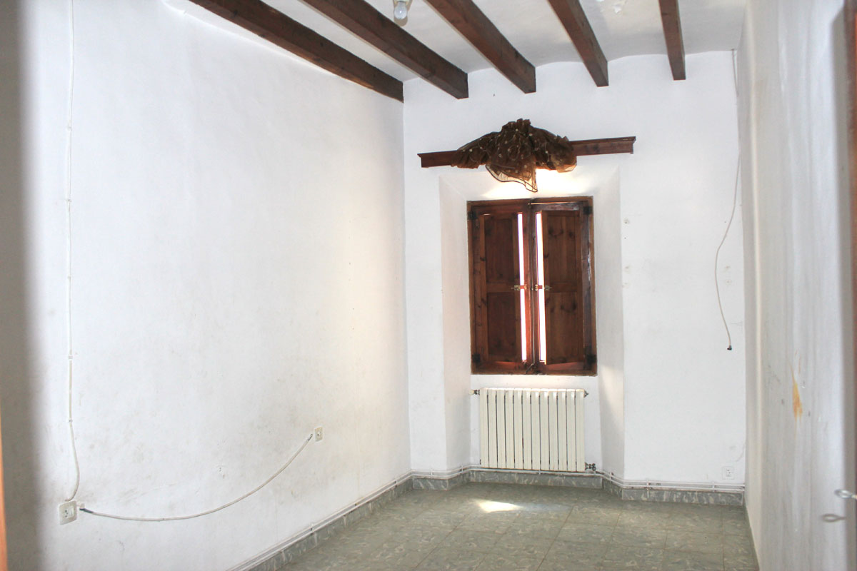 Imágenes de la propiedad inmobiliaria de Casa para reformar en el corazón de Sóller...