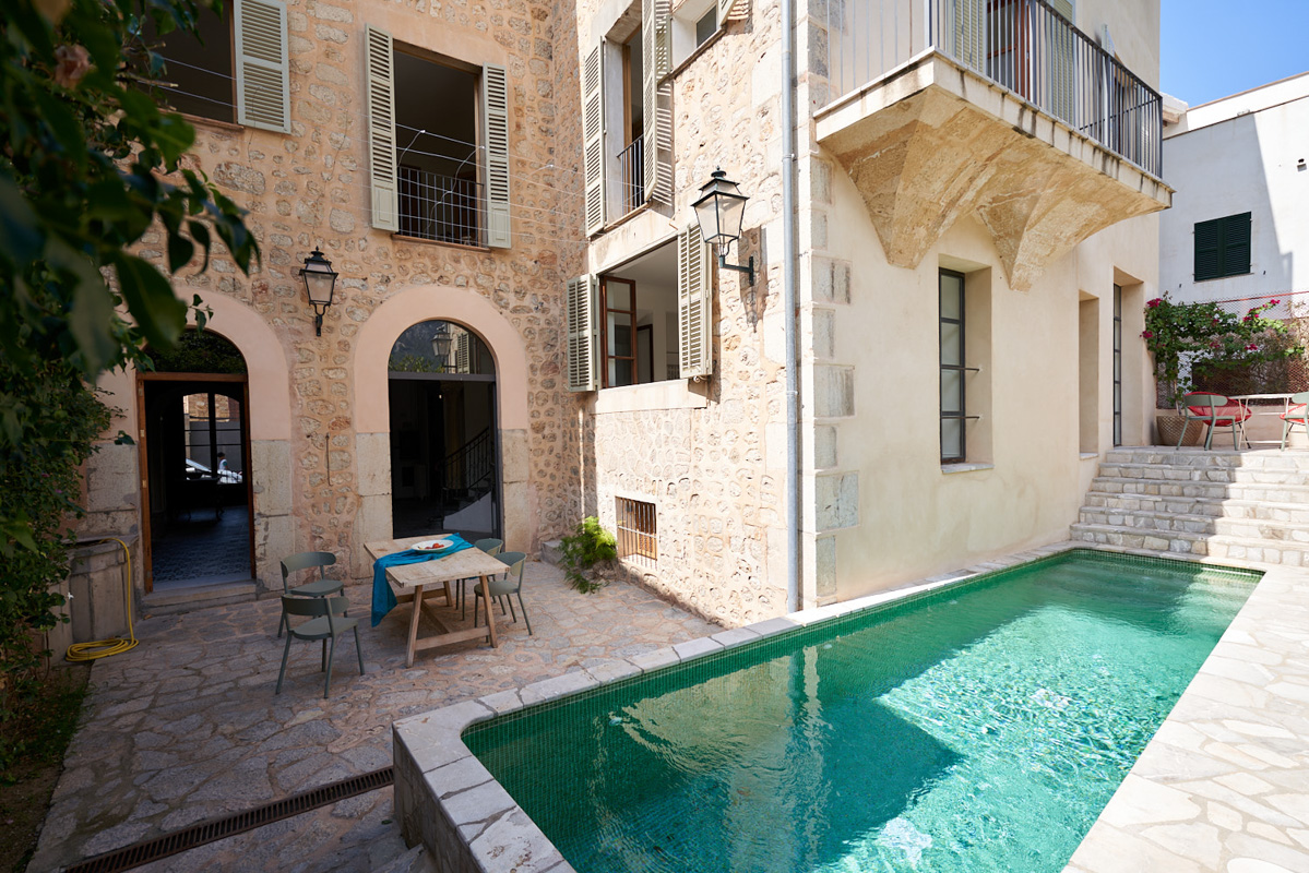 Image of property Exceptional townhouse...