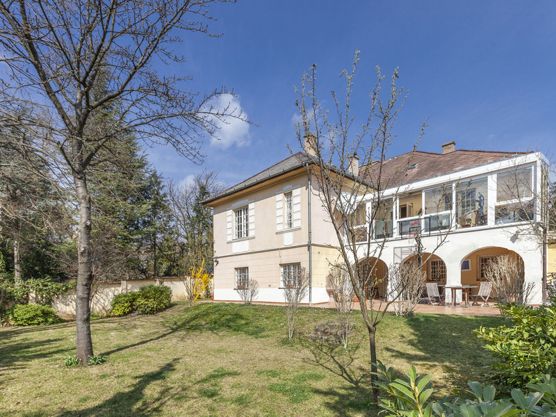 7 Room House For Sale in Budapest II. District