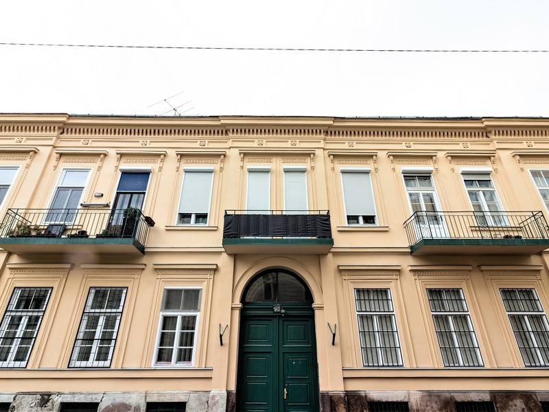 9 Room Apartment For Sale in Budapest VI. District
