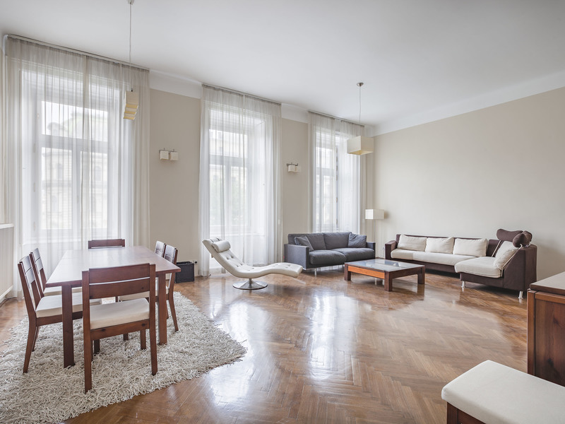 3 Room Apartment To Rent in Budapest VI. District