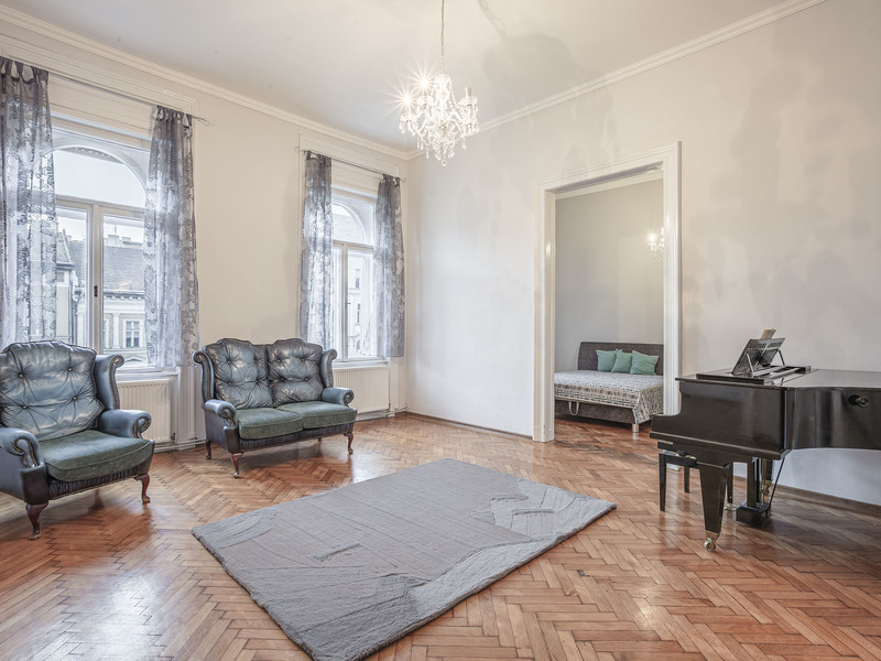 3 Room Apartment For Sale in Budapest VIII. District