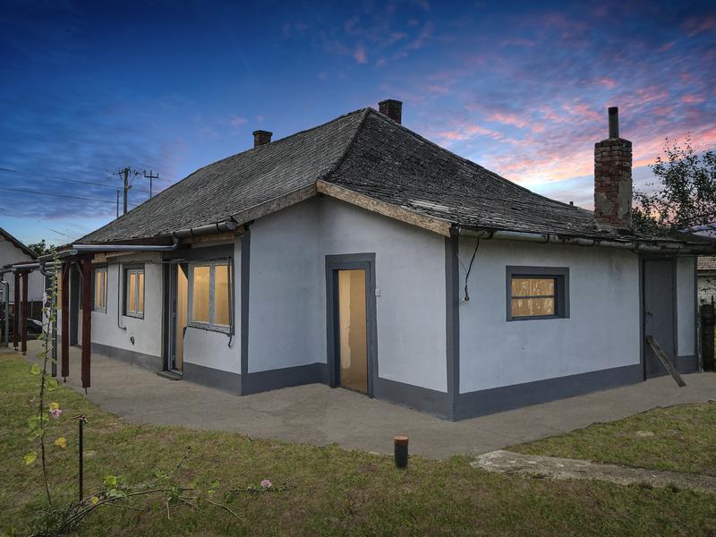 2 Room House For Sale in  Jász-Nagykun-Szolnok megye