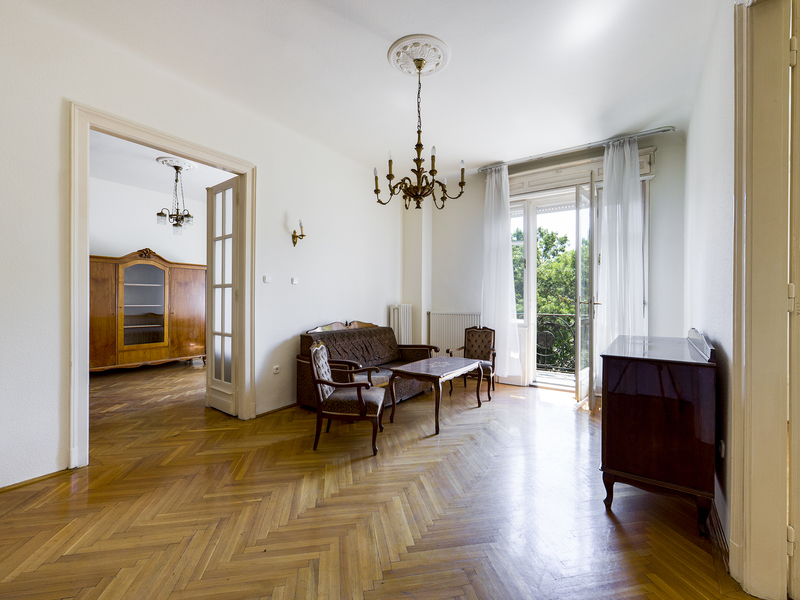5 Room Apartment For Sale in Budapest II. District