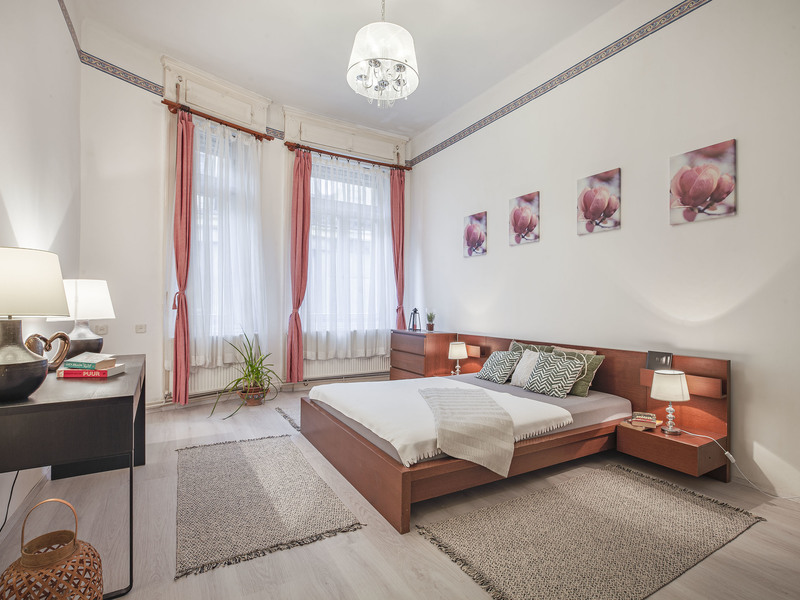 5 Room Apartment For Sale in Budapest V. District