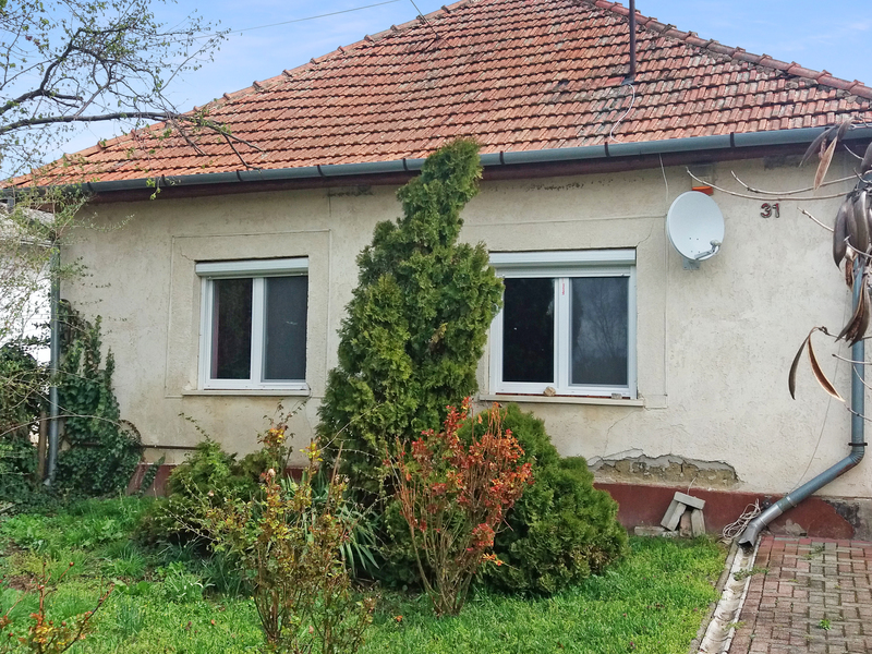 2 Room House For Sale