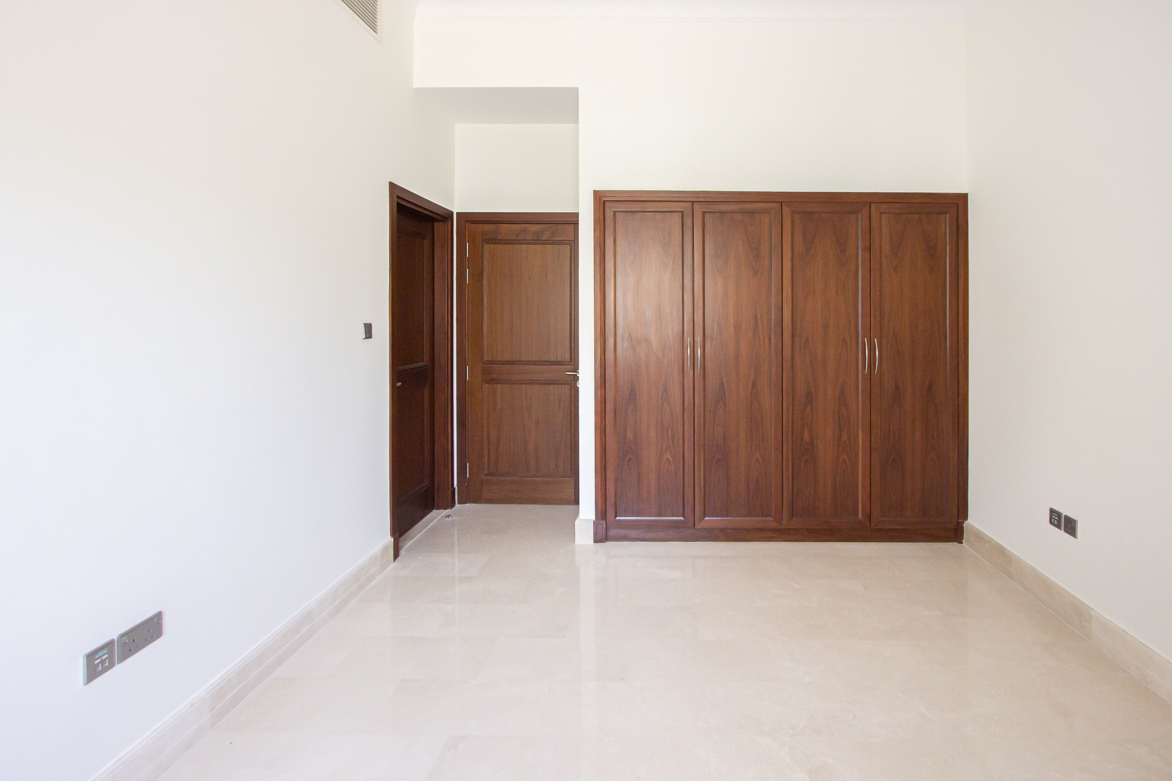 Beautiful 6 Bedroom Villa - 5 Year Payment Plan