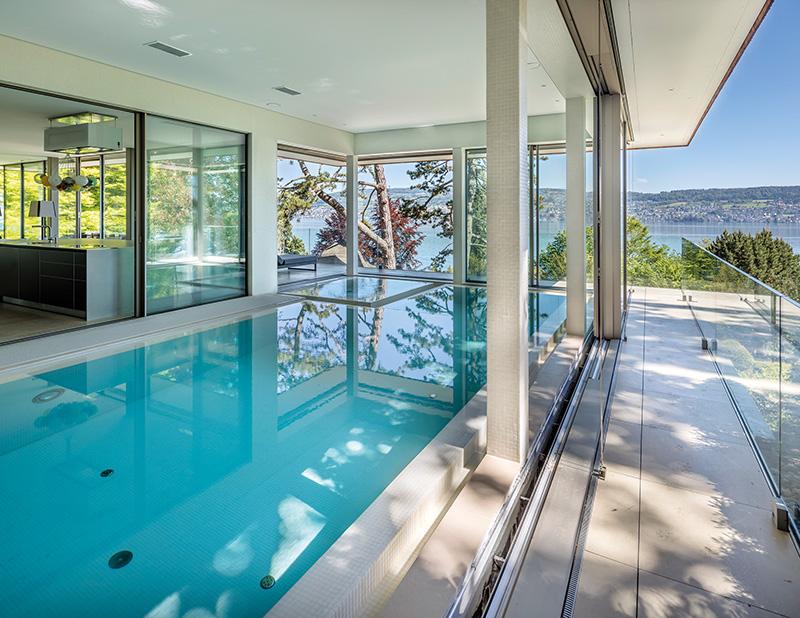 Historische villa mit herrlicher seesicht in ausgedehnter for Pool verkauf