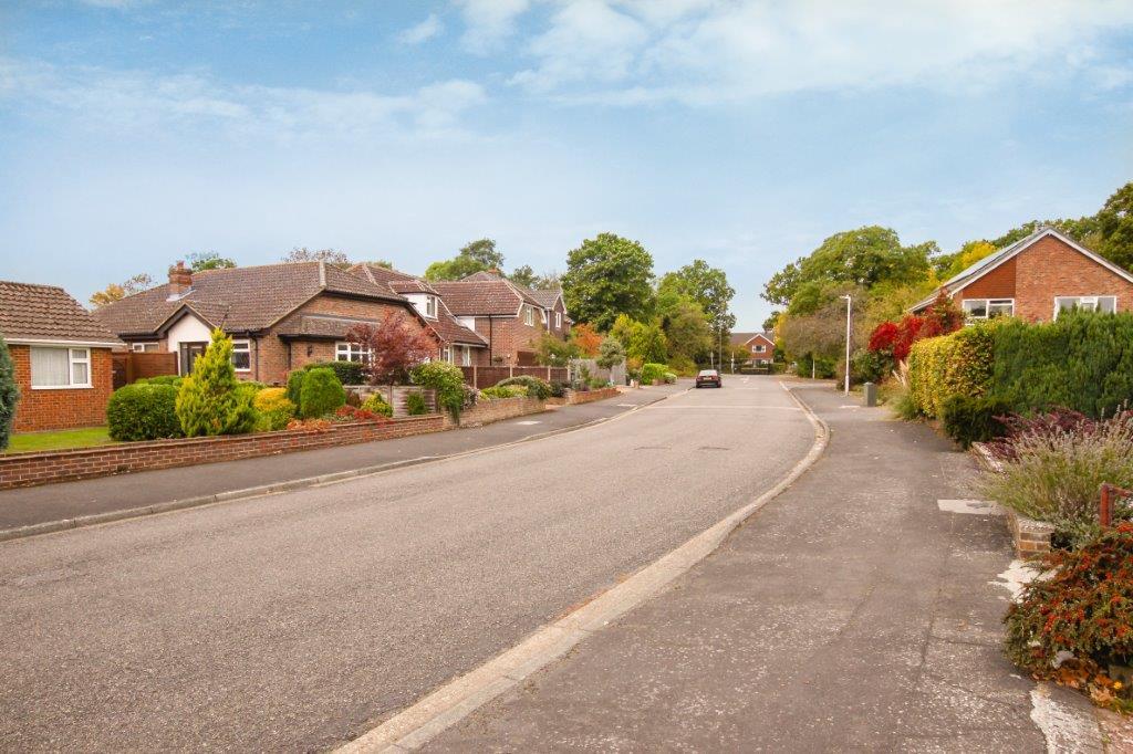 Denbeigh Drive Tonbridge Kent (7).jpg