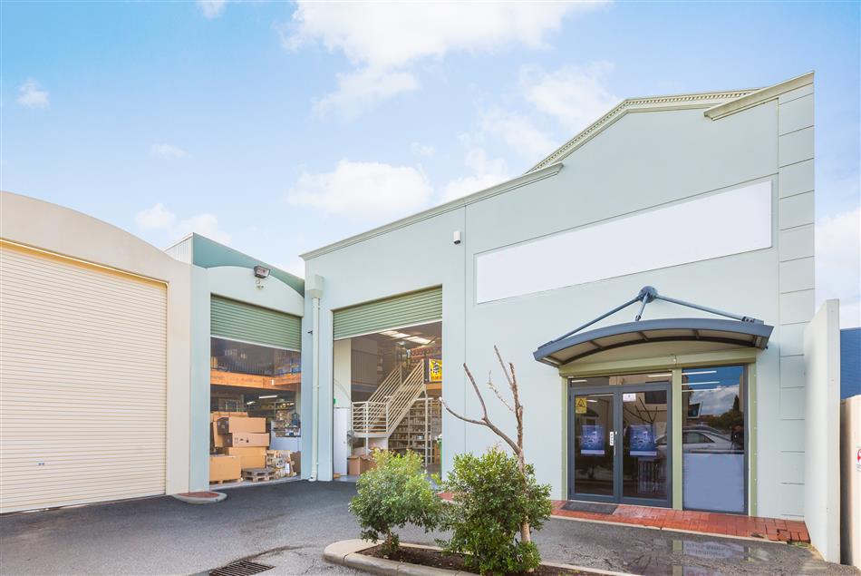Owner Occupier Opportunity – Rear Office Warehouse & Yard 349sqm + Mezzanine