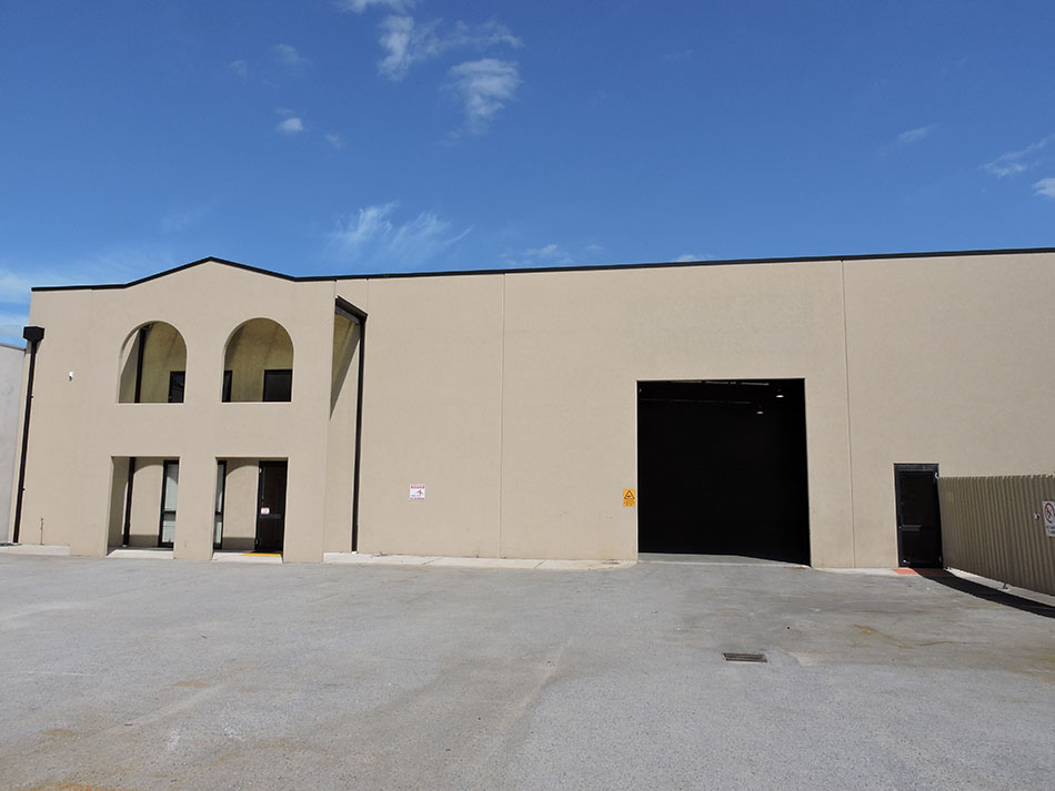 900sqm* Office/Warehouse with Great Access