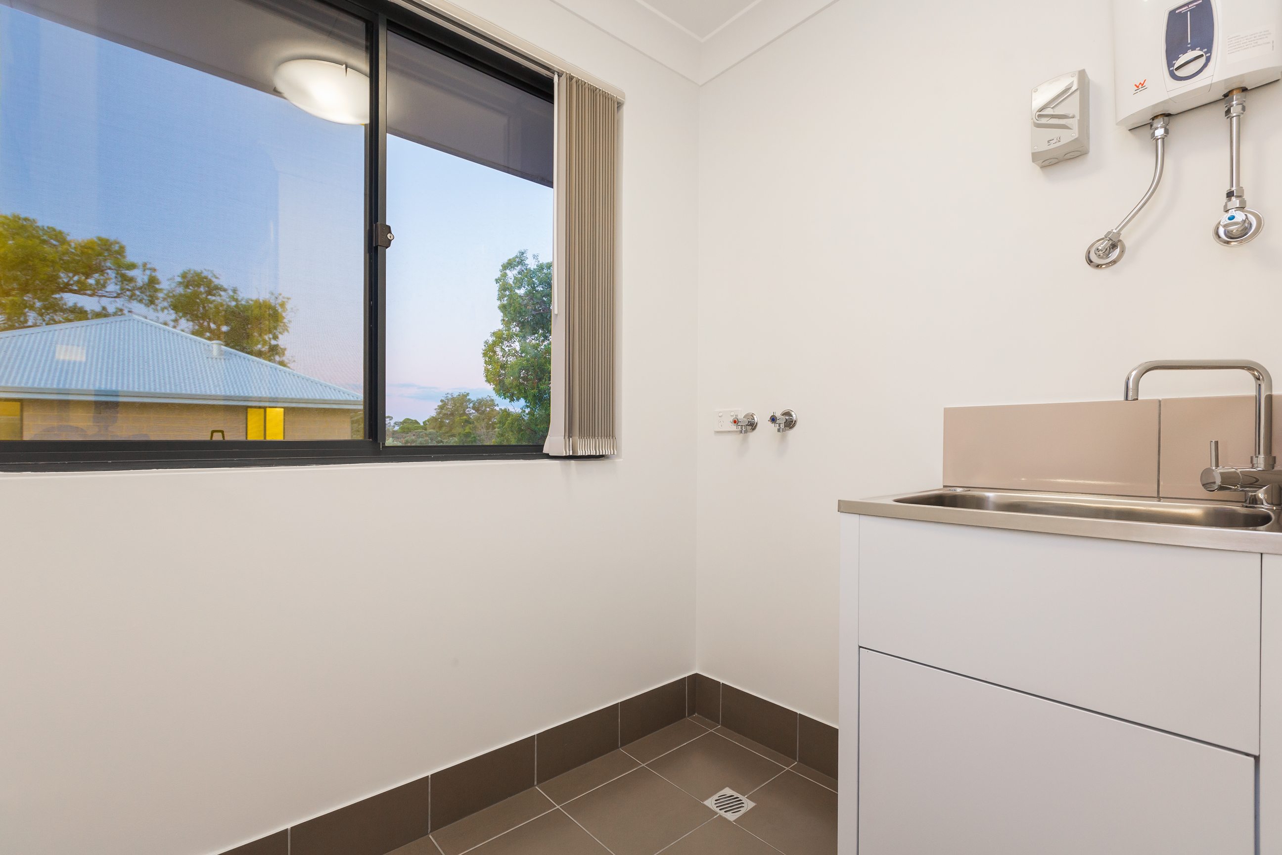 Last 3 bedroom apartment available burgess rawson for Available 3 bedroom apartments