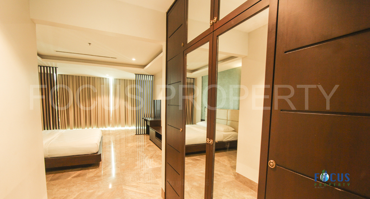 THE EMERALD SERVICED APARTMENT