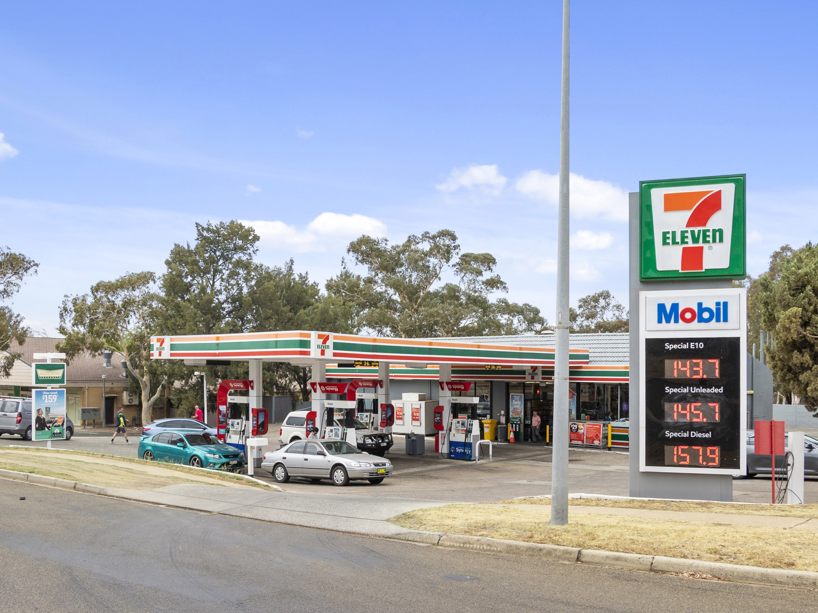 Prestigious Belconnen 7-Eleven Freehold Investment