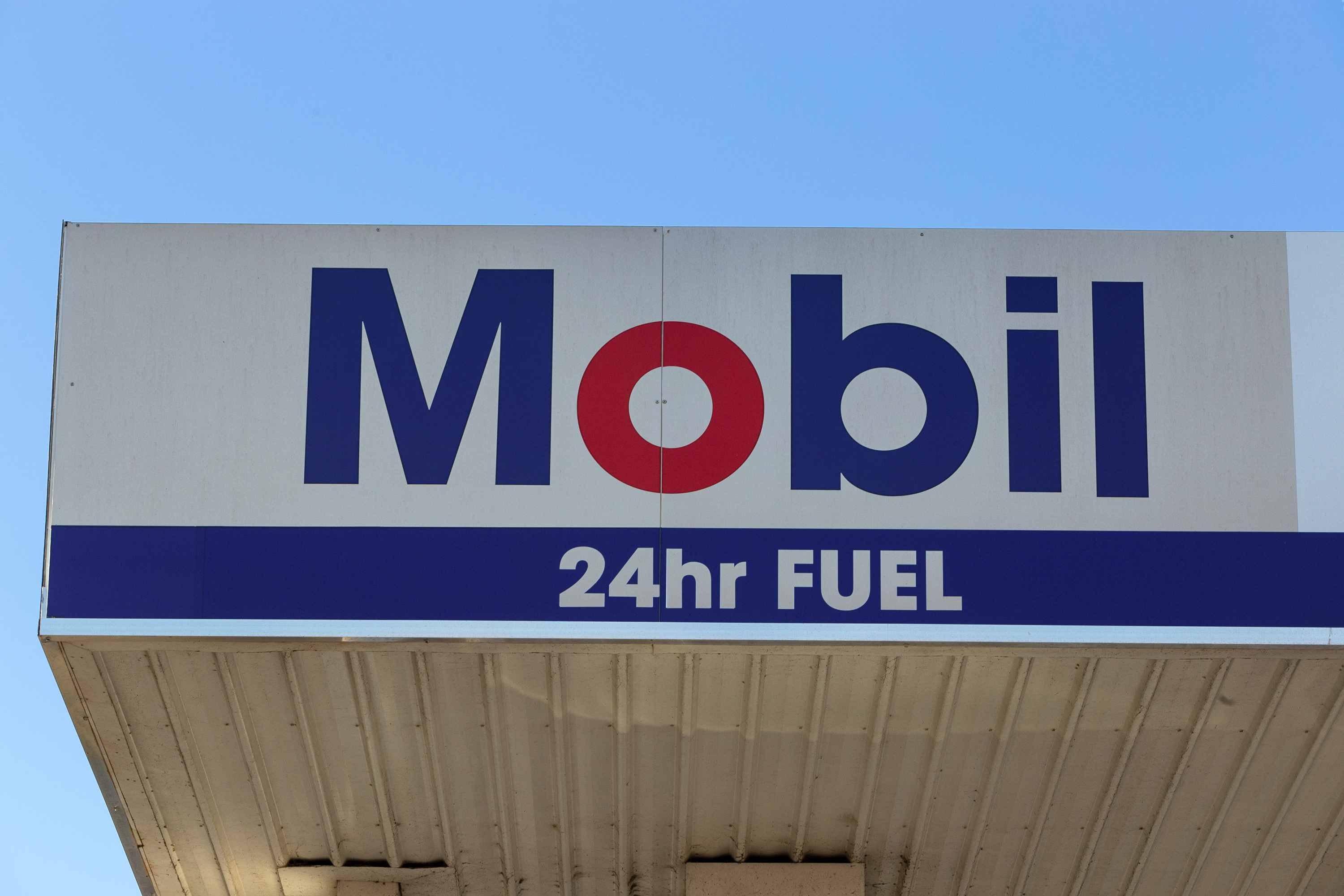 Huge Mobil Branded Truck Stop Service Station – Strategically Located Near Albury