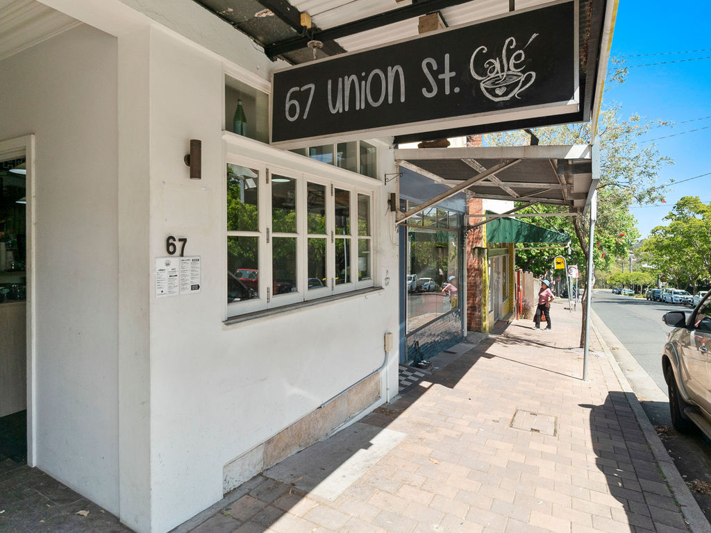 Immaculate Café in Rare North Shore Location