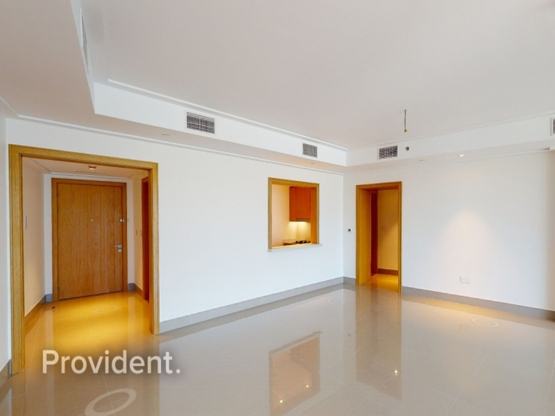 Full floor Penthouse with Panoramic views