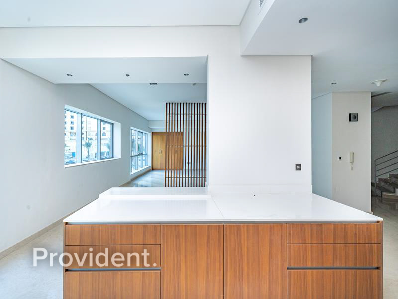 Superb  Triplex Waterfront Property | Vacant