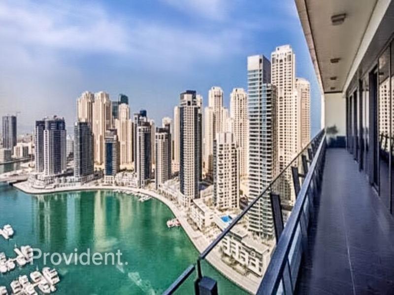 A Stunning Full Marina View Apartment