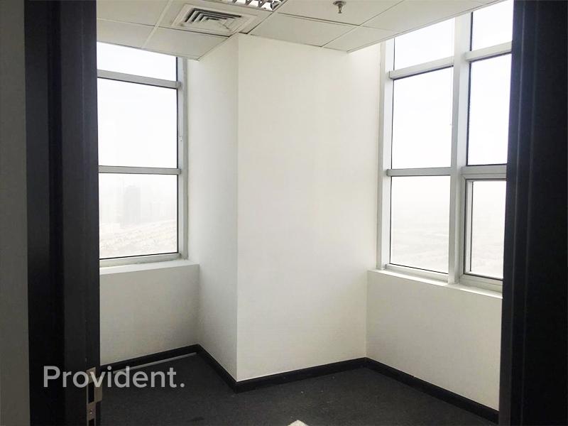 Corner Unit l High Floor l Distressed Sale