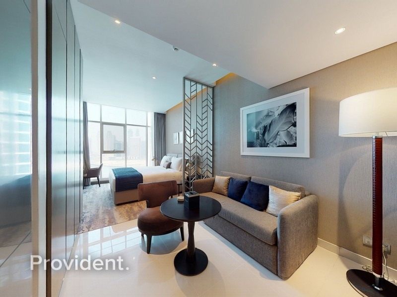 Fully Furnished with Spectacular view of the Canal