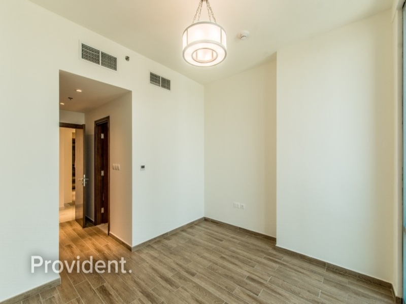 Large corner 3BR+M with Full Canal view|High floor