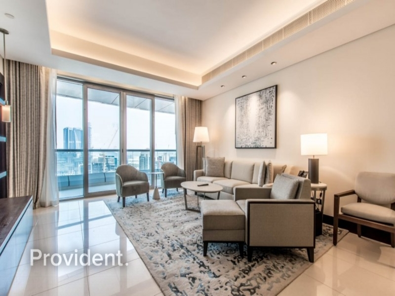 Middle Unit | Mid Floor | Fully Furnished