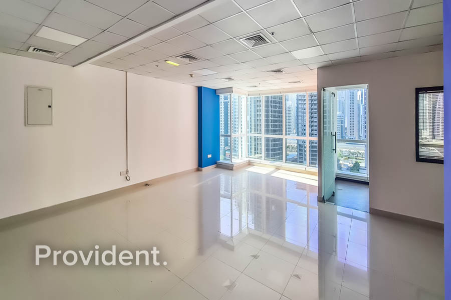 Amazing Lake View - Vacant - Great Tower in JLT