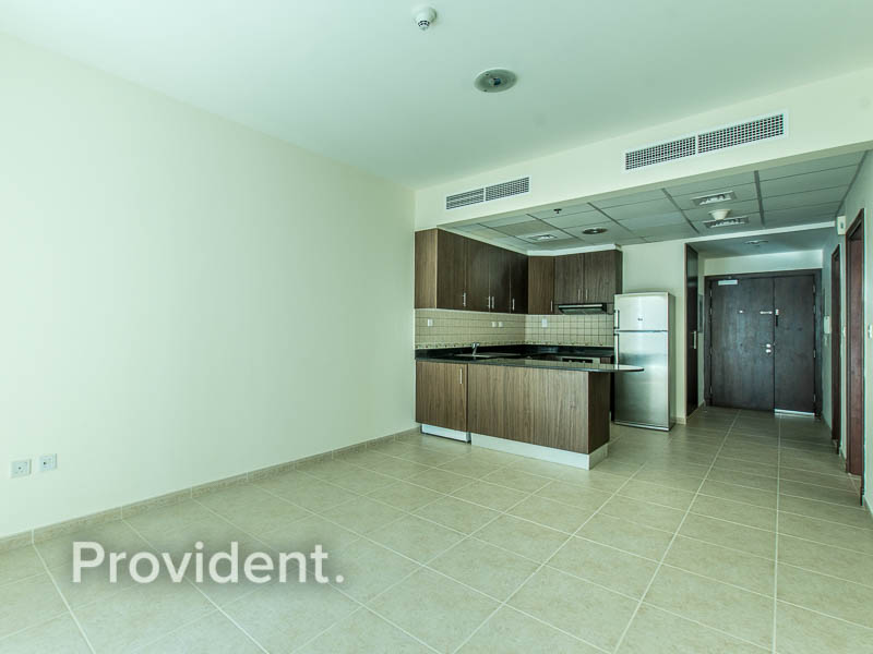 Available and Vacant|Well Maintained Apartment